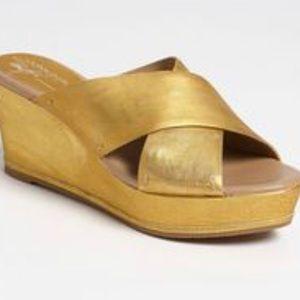 DONALD J PLINER Franz gold platform Wedge Slides